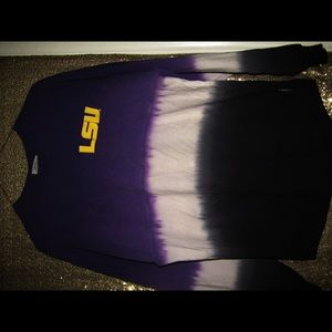 I'm selling an LSU top